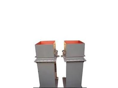 带活动短管防爆门